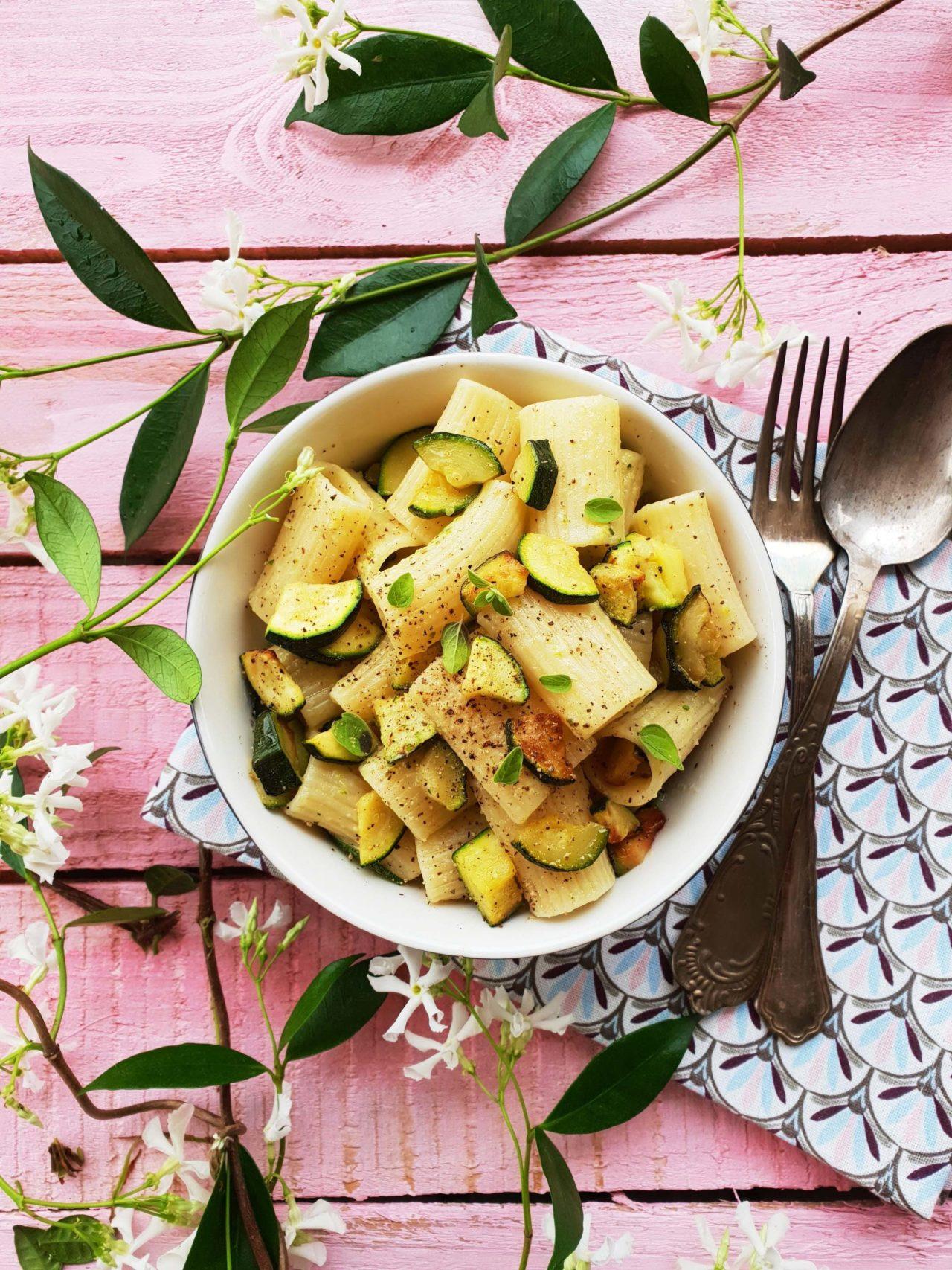 Cacio e pepe alle zucchine