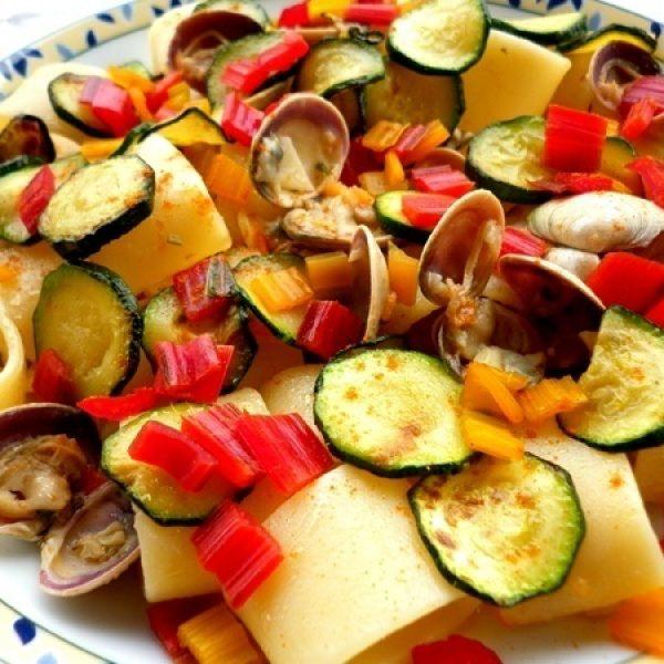 Anelli con vongole e zucchine