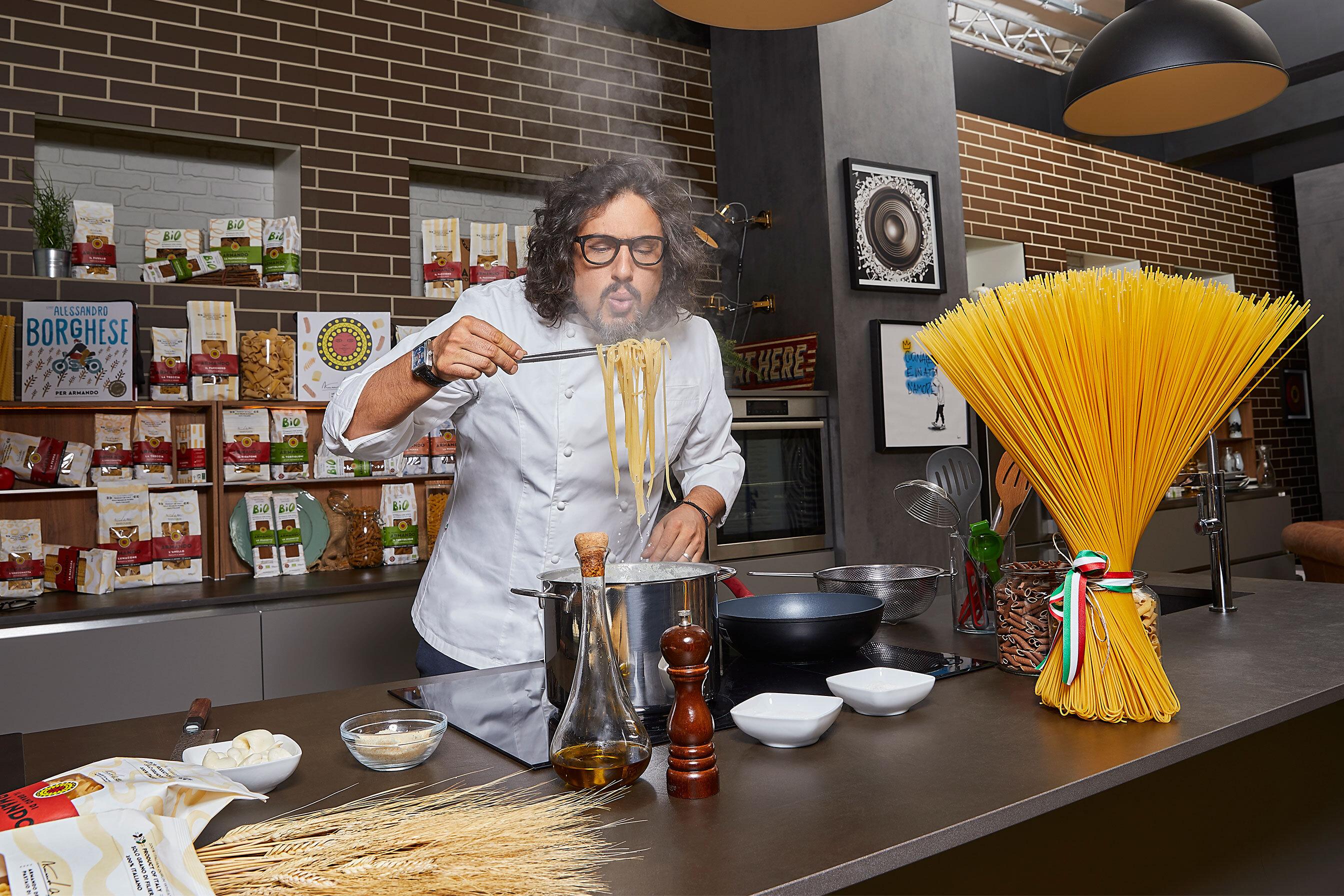 È arrivata una grossa novità: lo Spaghettone Armando ideato in collaborazione con Chef Alessandro Borghese