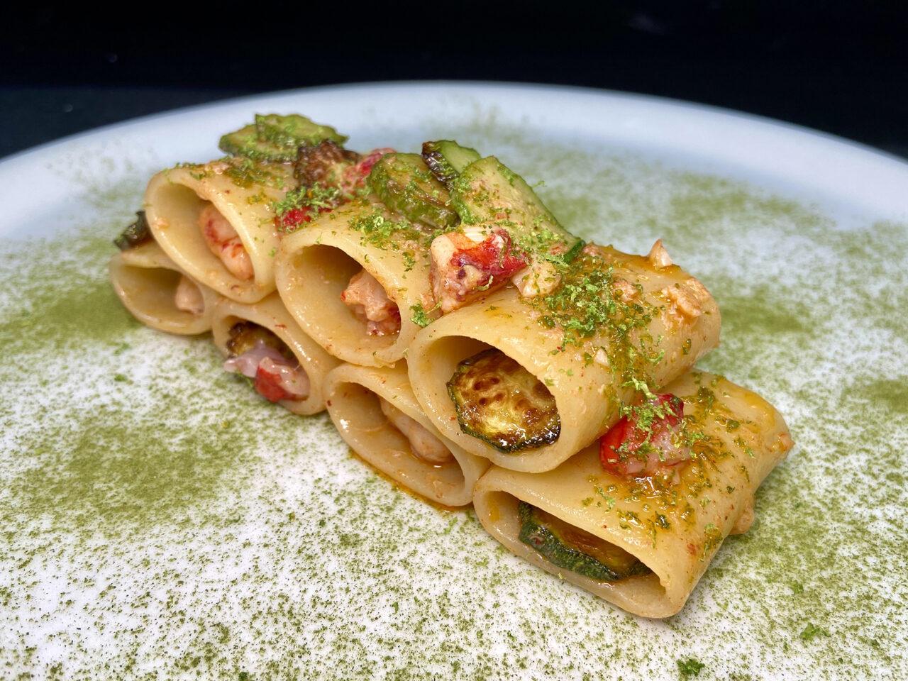 Paccheri con gamberi, zucchine romane e lime