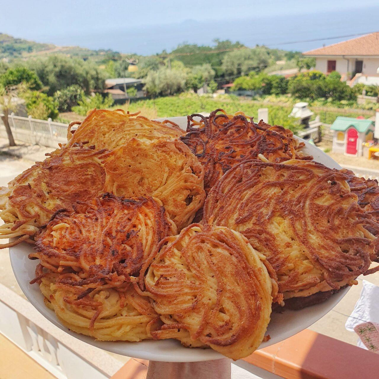 PASTA D'A...MARE - CAMPANIA   Le frittatine di pasta di Piatti Tipici