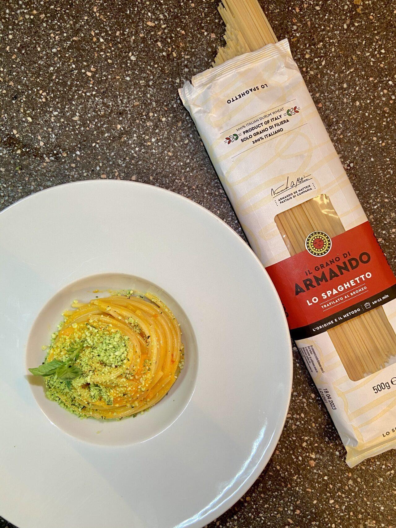 Ricetta spaghetti pasta crema peperoni pecorino aromatizzato basilico unastellaincucina