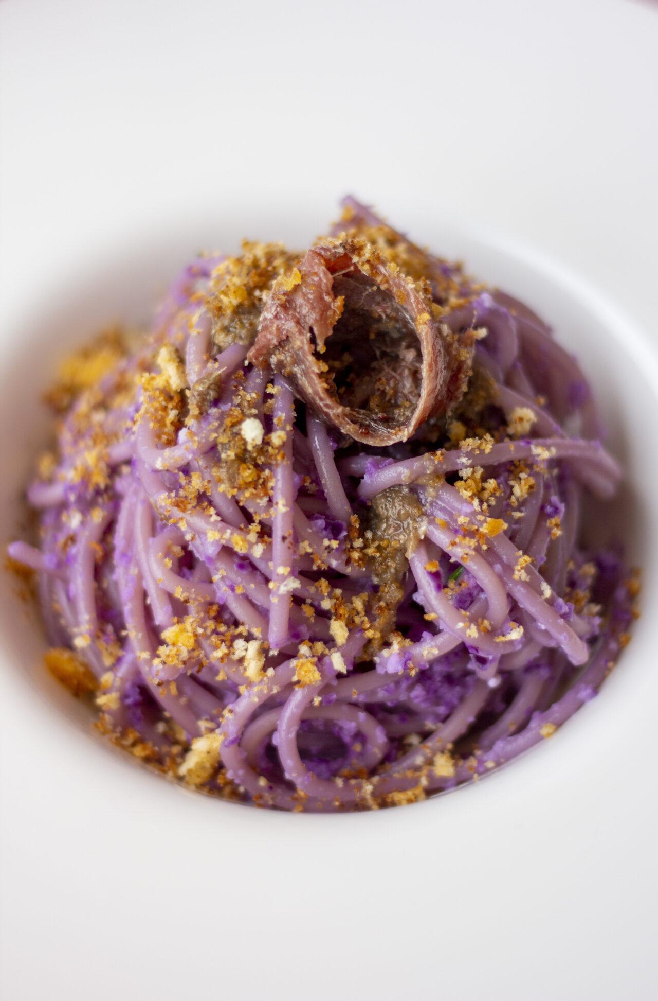 Ricetta spaghetti pasta armando cavolo viola con acciughe