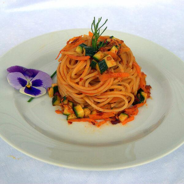 Spaghetti con 'nduja di Spilinga, carote e zucchine