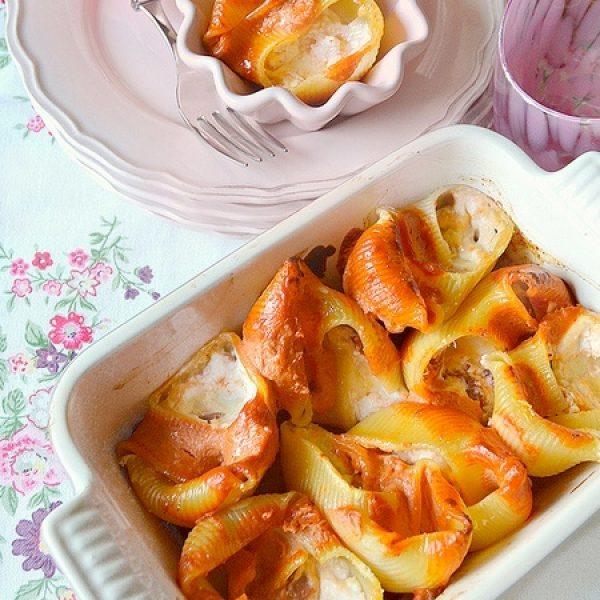 Lumaconi ripieni di salsiccia, zucca, funghi e gruyère