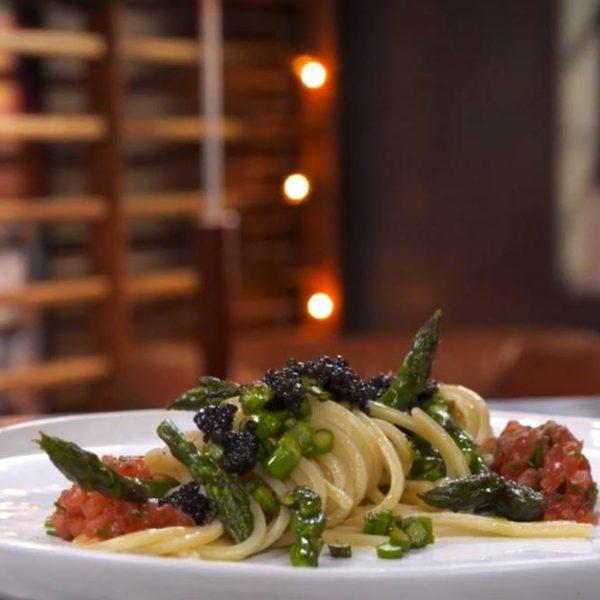 Spaghetti alla Chitarra tiepidi agli asparagi e caviale