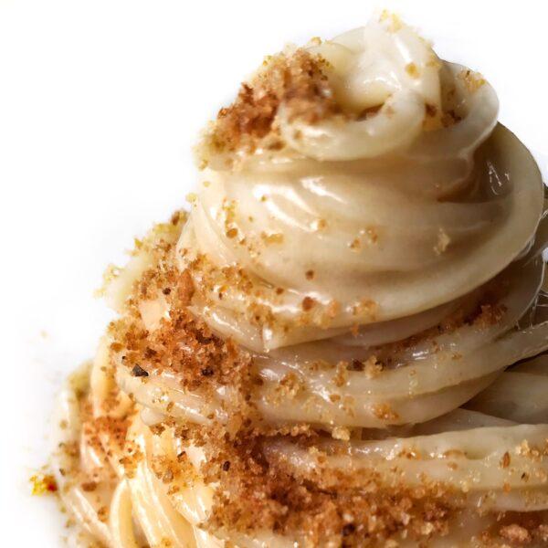 Pasta al burro, Parmigiano e muddica atturrata