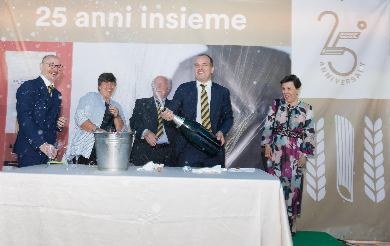 Da realtà locale a 5° produttore italiano di pasta che esporta in 43 paesi: gran festa alla De Matteis per i suoi primi 25 anni.